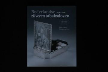 Zilveren tabaksdozen